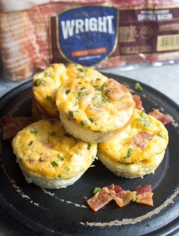 Mini Egg Cups with Bacon, Cheddar, and Chives, muffin tin eggs, muffin egg cups with bacon, bacon, breakfast, Egg cups, breakfast egg cups, Bacon egg muffins