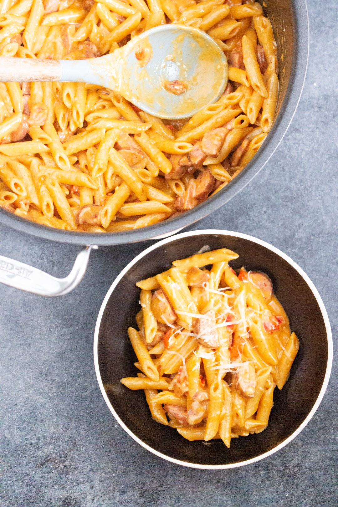One Pot Creamy Cajun Pasta with Sausage, one pot meal, easy dinner, cajun pasta, cheesy, sausage, coco and ash