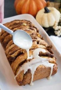 pumpkin pull apart bread with maple glaze, pull apart bread, pumpkin pull apart, maple glaze