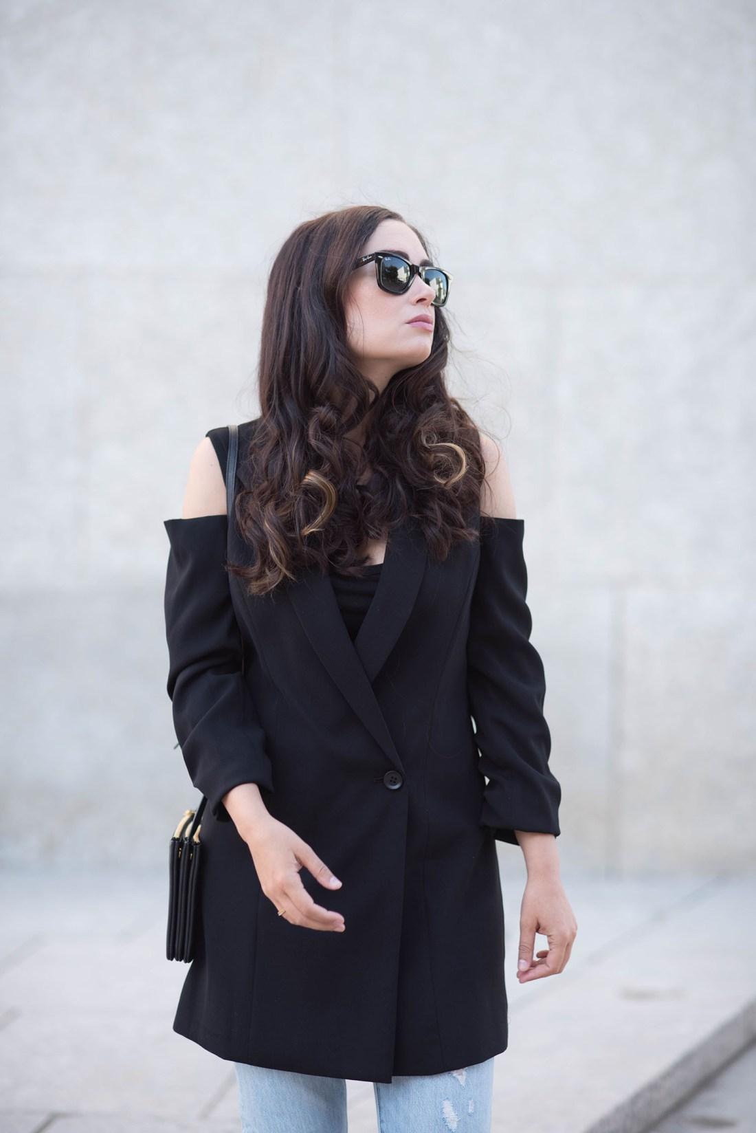 Portrait of brunette style blogger Cee Fardoe of Coco & Vera, wearing Ray Ban Wayfarer sunglasses