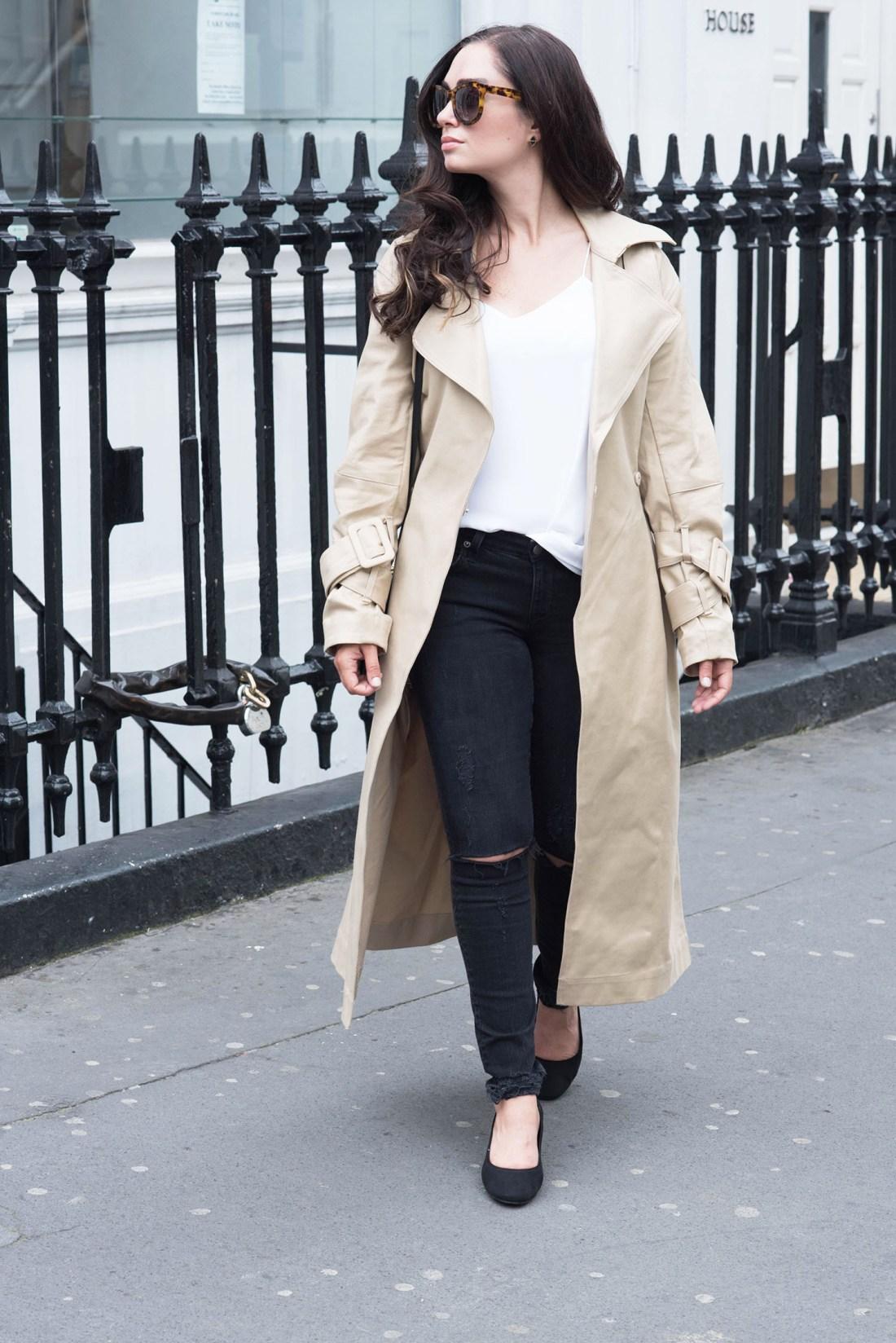 Winnipeg fashion blogger Cee Fardoe of Coco & Vera walks in London wearing Lovers + Friends jeans and Anine Bing Los Angeles sunglasses
