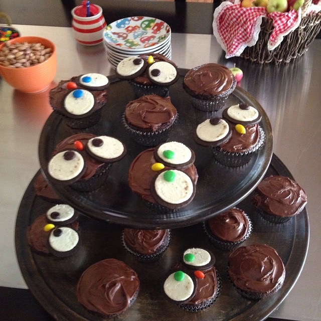 Movie Night Chocolaty Oreo Owl Cupcakes Coco in the Kitchen