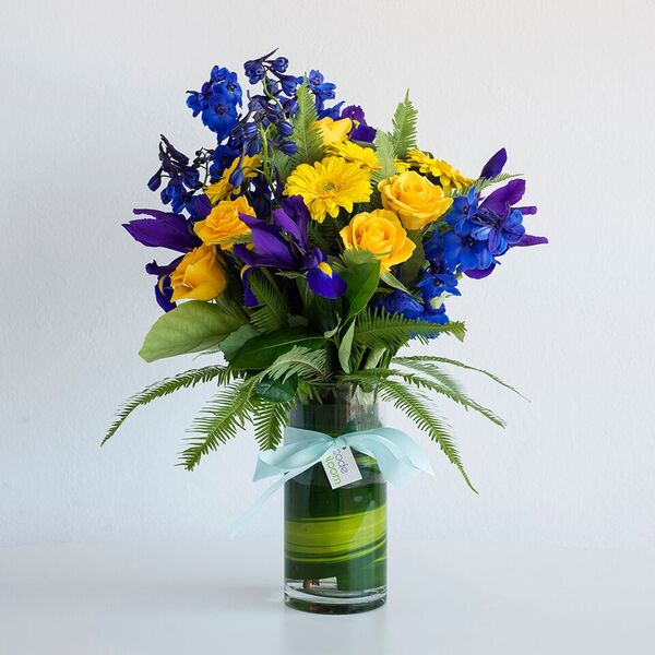 Baby Blue Vase Code Bloom Perth Florist Fresh Flower Bouquets