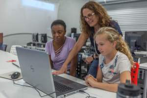 Teachers to Learn Computer Science and Earn Certifications