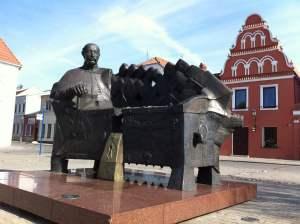 Kedainiai-statue