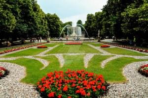 Saxon Gardens Warsaw Solidarity Avenue