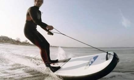 Le surf électrique et gonflable existe