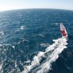 Pourquoi naviguer autour de la terre est une si belle idée