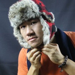 Portrait of Justin Zhou.