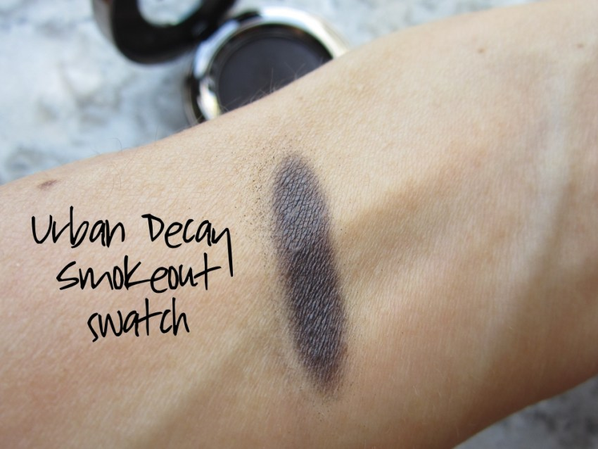 urban decay eyeshadow smokeout swatch