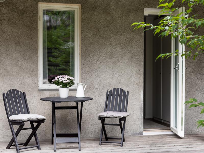 ulko-ovi vanhaan taloon, terassiovi Skaala, uusi oviaukko kokemuksia, ovi makuuhuoneesta terassille, terassiovi makuuhuoneeseen