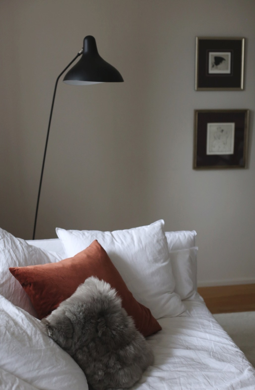 Iittala Raami Jasper Morrison, pomeranssi, sisustussävyt, raidallinen lasi, sisustustrendi