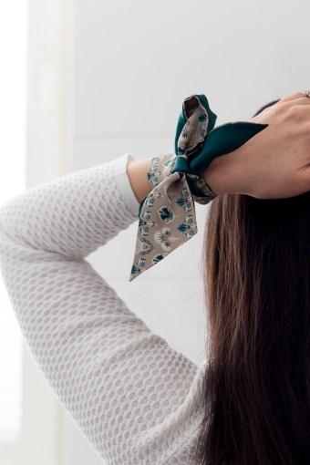 Huivi hiuksissa ja asusteena   Skinny scarf