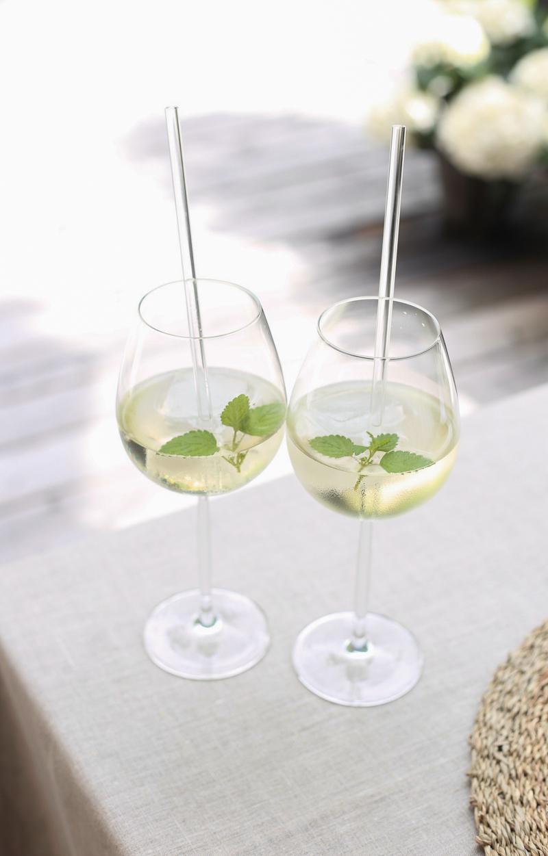 Ideoita kesäiseen kattaukseen, Hugo drinkki, lasipillit