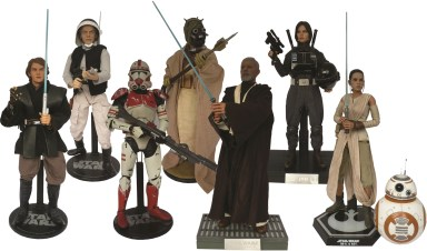 P30, Slideshow Collectibles and Hot Toys now produce their 12 inch figures for the collectors' market.