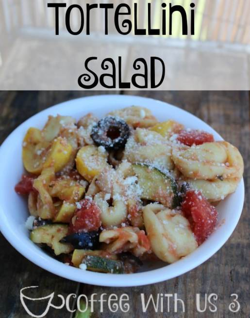 Tortellini Salad | This pasta salad is perfect for a bbq, potluck, or as a side dish for any summer meal. I also love to eat it for lunch!