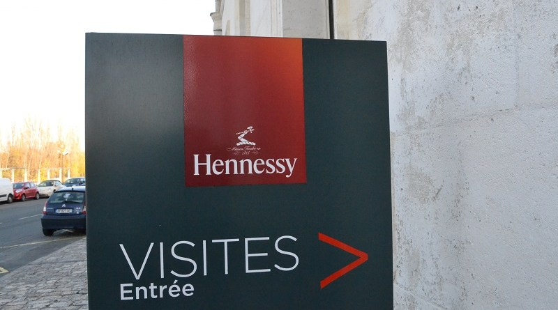 hennessy-tour-sign