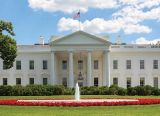 Trump elige a Mick Mulvaney como jefe de personal de la casa blanca