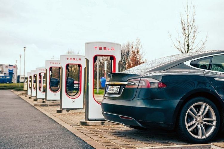 Tesla Stock Will Sell Off Hard If Earnings Report ...