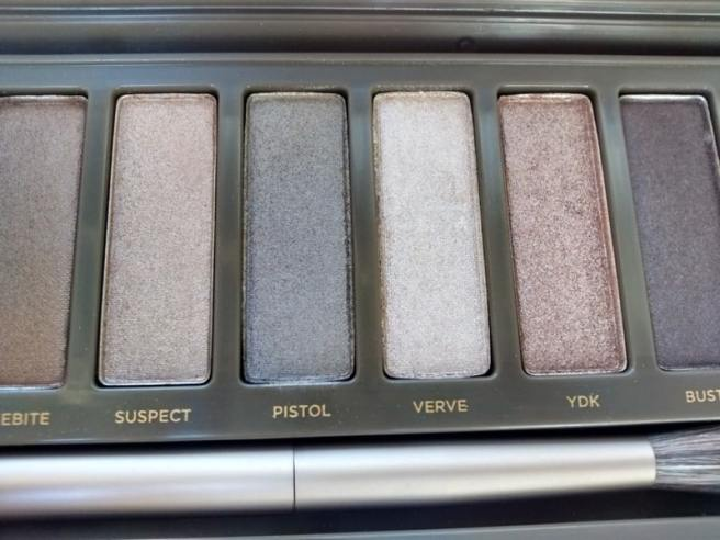 Naked 2 - Sombras (YDK, Busted, Blackout)