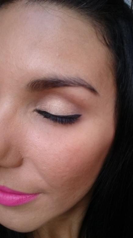 Maquiagem pronta - olhos fechados