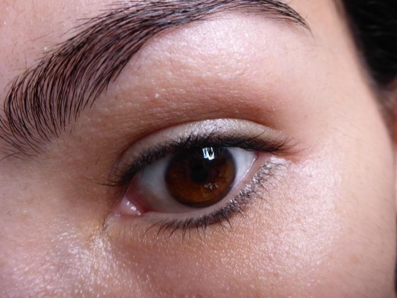 Tutorial Naked 2: Olho preto com esfumado vinho - Olho sem nada