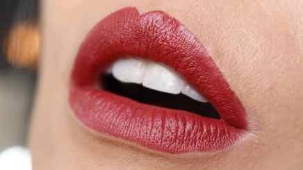 Batons matte Evelyn Regly Hibisco lábios