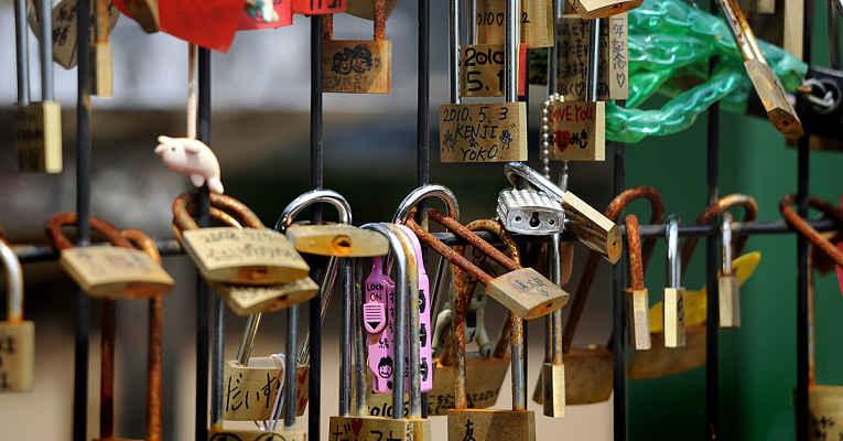 Cadeados amor em Enoshima