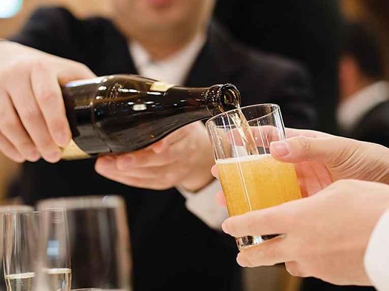 Regra de etiqueta bebida
