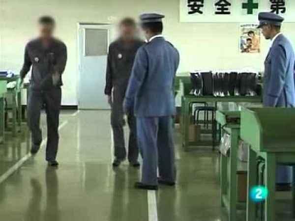 guardas e prisioneiros da prisão