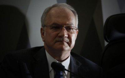 Democracia brasileira está sob ataque, diz ministro Edson Fachin