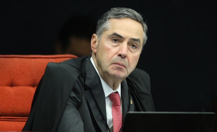 Após críticas de Bolsonaro, Barroso defende sistema eleitoral: 'Eficiente, seguro e auditável'