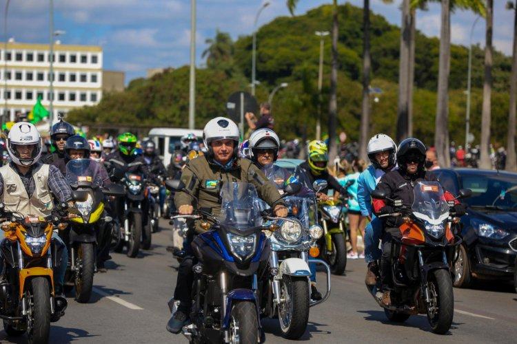 Bolsonaro convoca apoiadores para 'grande marcha com motocicletas' em São Paulo; veja o vídeo