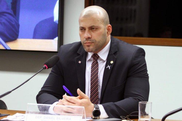 Após decisão do STF, Daniel Silveira terá que pagar R$ 100 mil por violar tornozeleira eletrônica