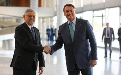 Bolsonaro recebe o presidente de Cabo Verde no Palácio do Planalto