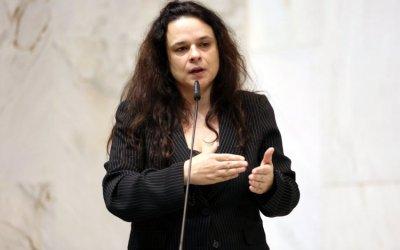 Janaina Paschoal diz que Bolsonaro coloca vaidade acima de tudo: 'Se continuar assim, vai acabar caindo'