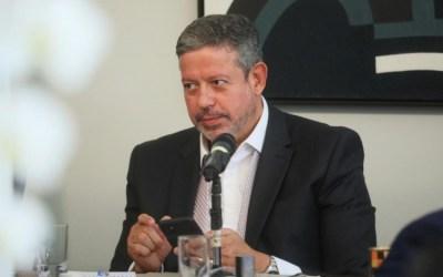 Lira promete 'máximo de transparência' em discussão das novas regras eleitorais
