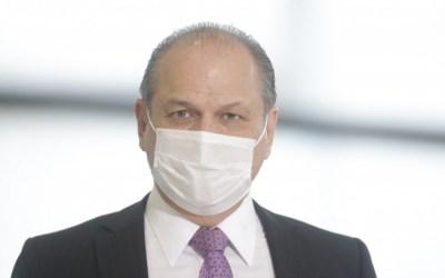Barros apresenta notícia-crime contra Renan Calheiros por denunciação caluniosa