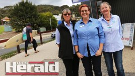Lorne Visitor Centre representatives, from left, Marilyn McKenzie, Andi Lawson-Moore and Cathie Jennings, answered questions for tourists at Lorne during Easter. The centre had 600 more visitors this Easter compared with last year.