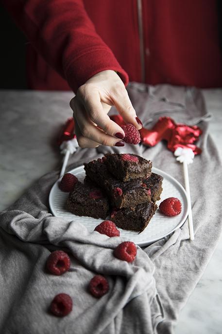 Brownies al cacao e lamponi (senza lattosio)