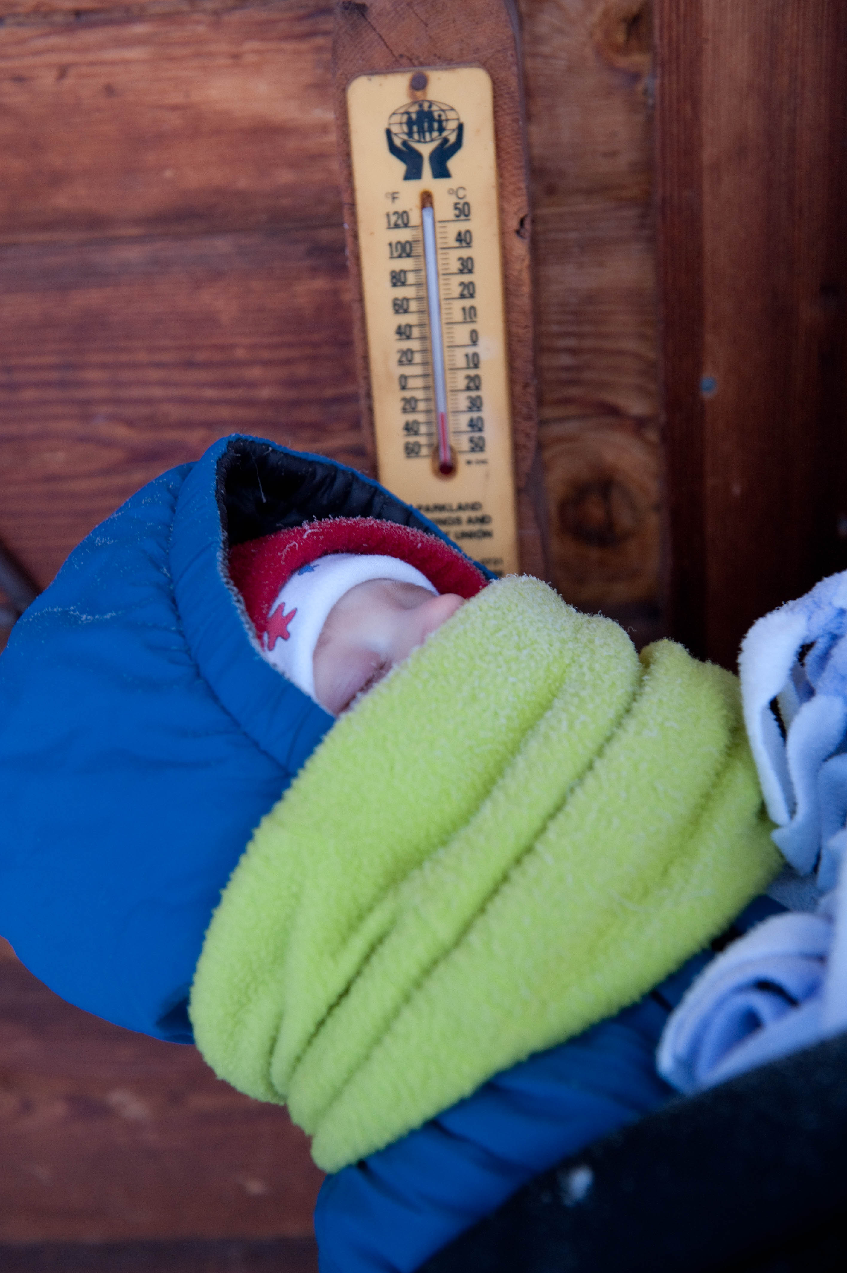 Yes, the thermometer says -32ºC next to that 7-month-old
