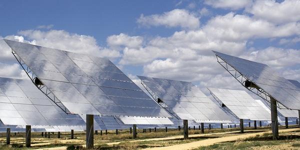 Parque solar por Alex Lang