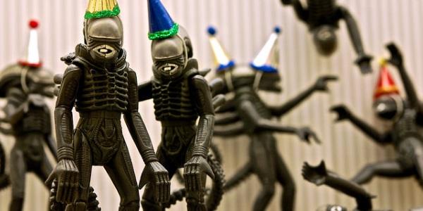 Aliens party por JD Hancock