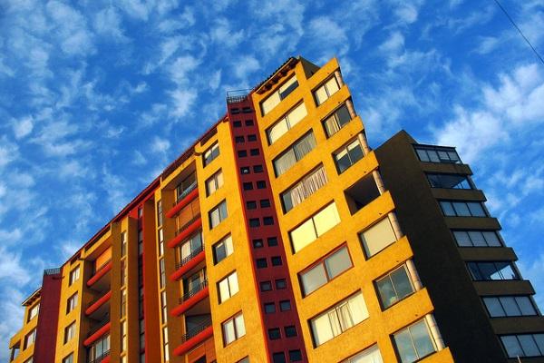 Edificio por RL GNZLZ