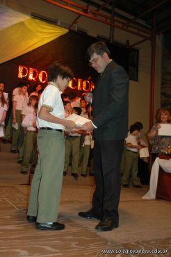 Acto de Colacion de Primaria 2010 288