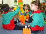 Salas de 3 jugando con Bloques 20