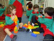 Salas de 3 jugando con Bloques 26