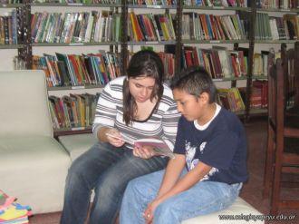 Compartiendo una Lectura con Niños del Hogar Domingo Savio 9