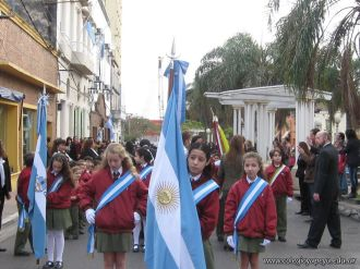 Desfile en Homenaje y Festejo de Cumple 12