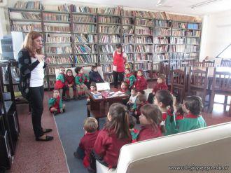 Alumnos de la Seño Carolina en Biblioteca 1